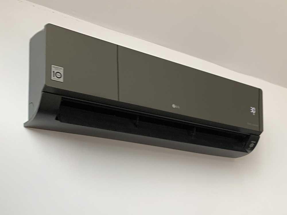 SpartaMech-split-air-conditioner-in-black