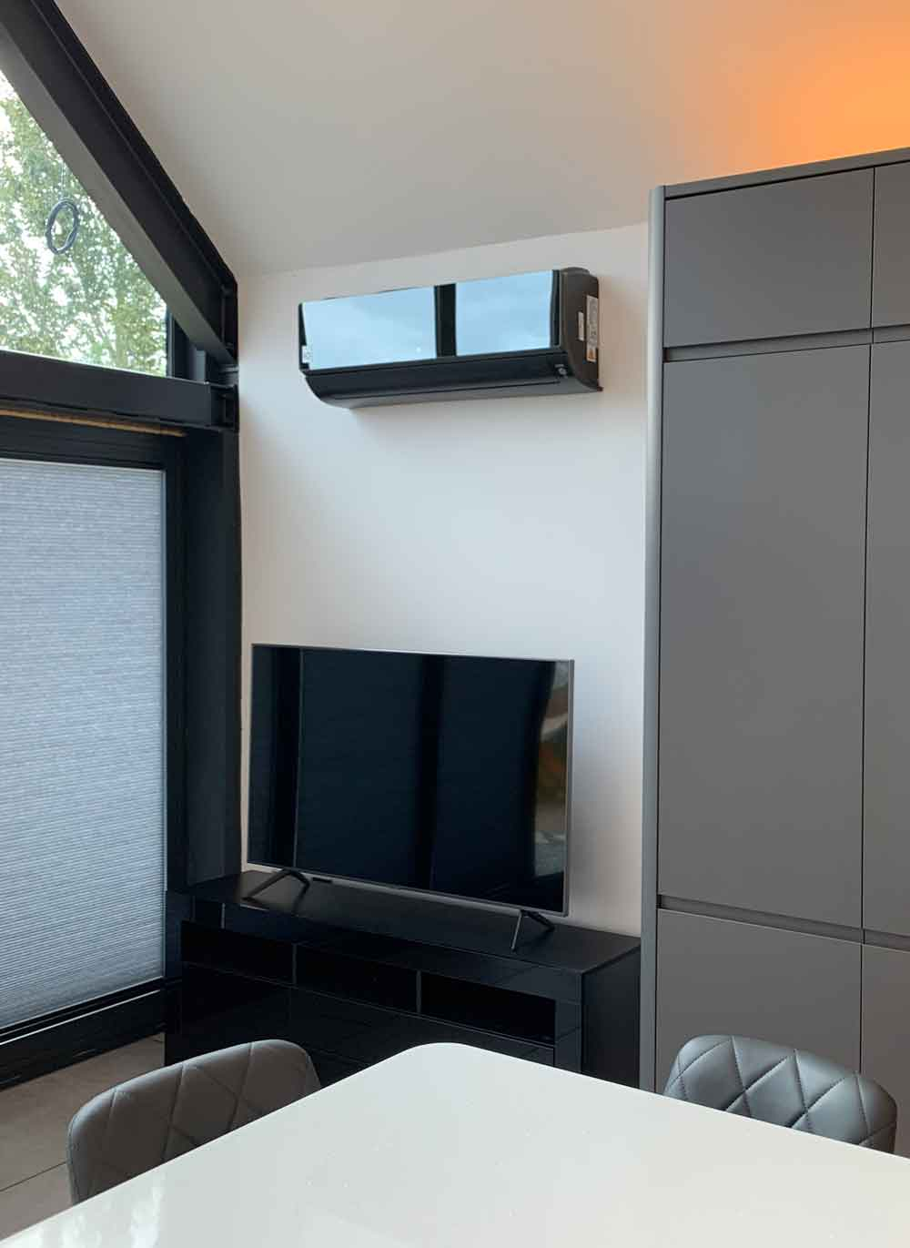 SpartaMech-air-conditioning-in-lounge